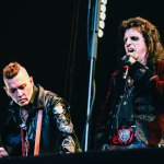 21.Hollywood Vampires