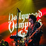 36.Hollywood Vampires